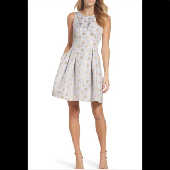 Vince Camuto Dresses & Skirts - Vince Camuto Jacquard fit and flare dress